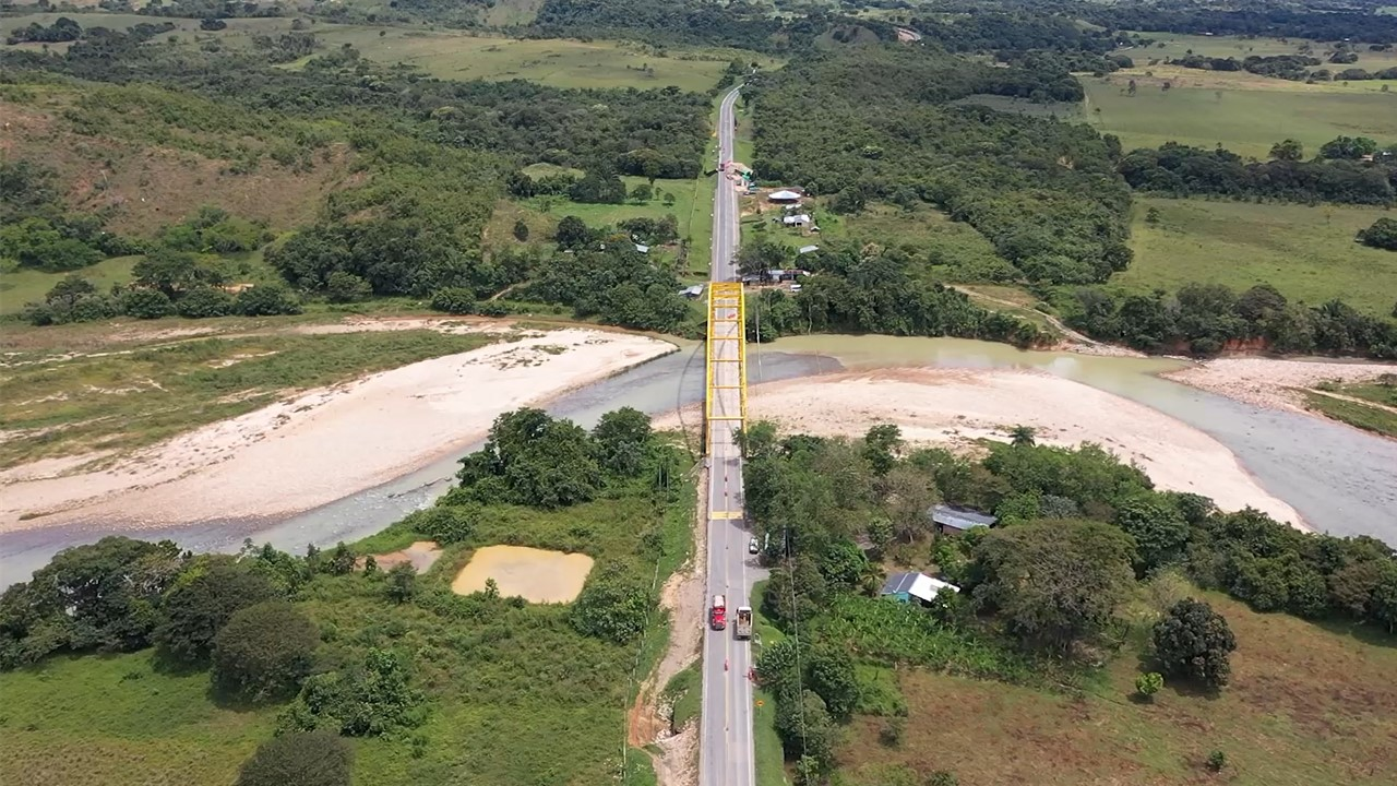 Monterrey, 25 de octubre de 2020. Durante 4 horas se realizarán labores de mantenimiento al puente vehicular Chitamena, ubicado en el kilómetro 38 de la ruta nacional 6512 en el tramo Monterrey – Tauramena.  Las actividades a ejecutar en la estructura restablecerán las condiciones del tablero por donde circulan los automotores. El cierre total […]