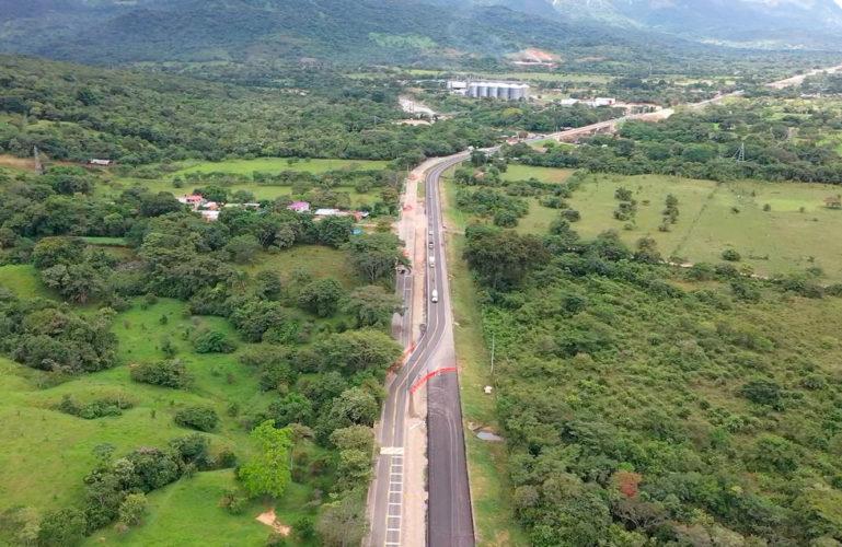 Se habilitarán dos kilómetros de nueva calzada entre Aguazul y Yopal, para continuar el Mejoramiento de la vía existente